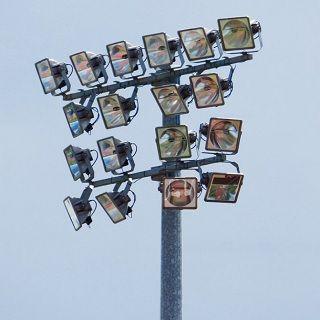 Cột đèn pha lắp giàn đèn cố định